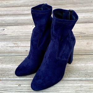 Steve Madden Brisk Blue Suede Ankle Boots. 8M